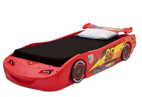 mcqueen bed delta children cars lightning mcqueen bed