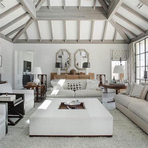 spectacular hamptons beach house living room  sagaponack
