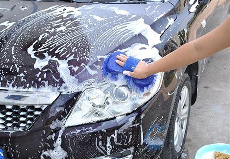 Alat Pembersih Kaca Mobil pembersih kaca mobil terbuat dari bahan microfiber