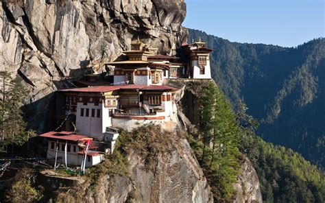 homes in the mountains monastery in the mountains of tibet wallpapers and images