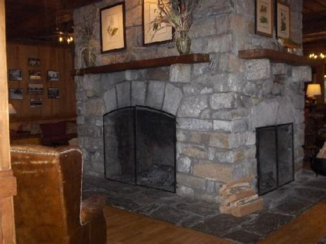 Four Sided Fireplace by 4 Sided Fireplace In Lodge Picture Of High Hton