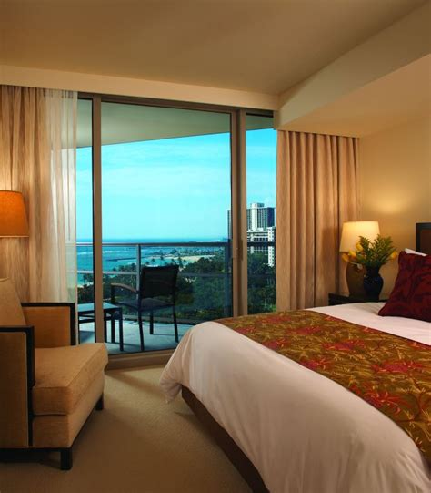2 bedroom suites in waikiki 2 bedroom hotel suites in oahu hawaii room image and