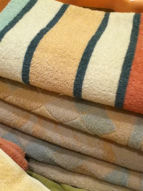 laundry tips for smelly towels