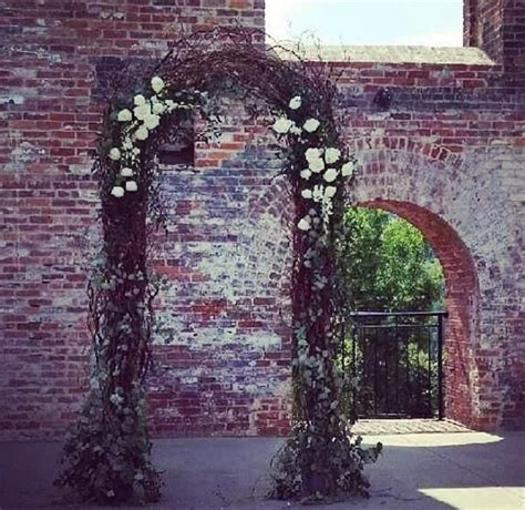 Wedding Arch Vases by 39 Best Bloomwoods Ceremony Decor Images On