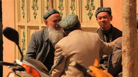 jalur sutra  geliat muslim uighur  xinjiang