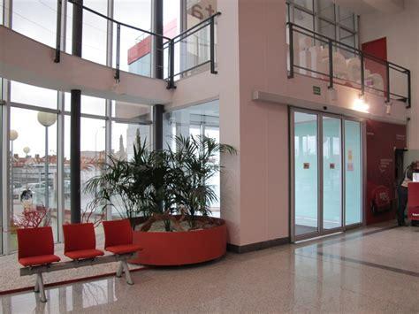 idealista oficinas l 237 nea directa fotos de las oficinas de una de las mayores