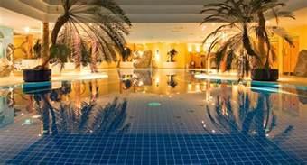 hotels in thüringen mit schwimmbad wellnesshotel im th 252 ringer wald ramada friedrichroda
