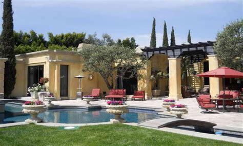 mediterranean house plans with courtyards mediterranean courtyard house plans house plans inner courtyard mediterranean house plans with