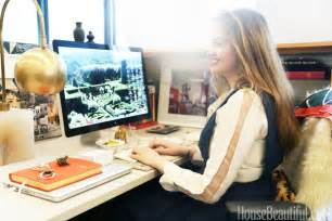 Decorating Your Office Desk Chic Cubicle Decor Desk Decorating Tips