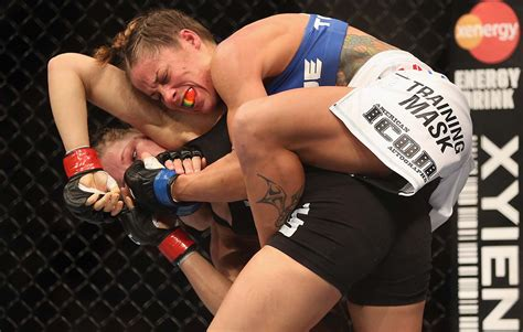 ronda rousey malfunction shorts ronda rousey on arm bars short fights ufc si com