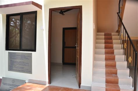 Indian Front Home Design Gallery by Iit Madras Civil Engineers Promise 800 Sq Ft 2 Bhk House