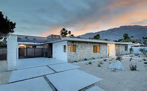 Backyard Gate Designs Renovated Mid Century Modern In Central Palm Springs