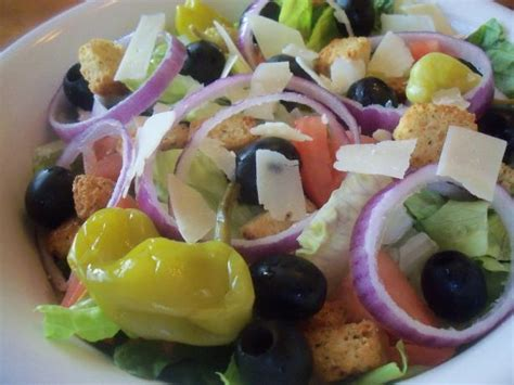 Recipe For Olive Garden Salad by Copy Cat Olive Garden Salad And Dressing Recipe Dishmaps