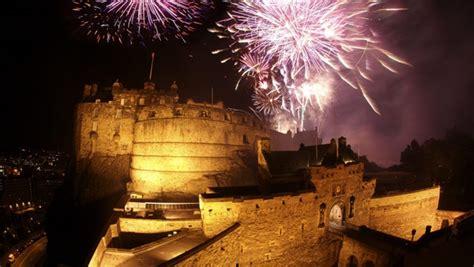 new year in edinburgh 2016 new years fireworks 2016 in edinburgh