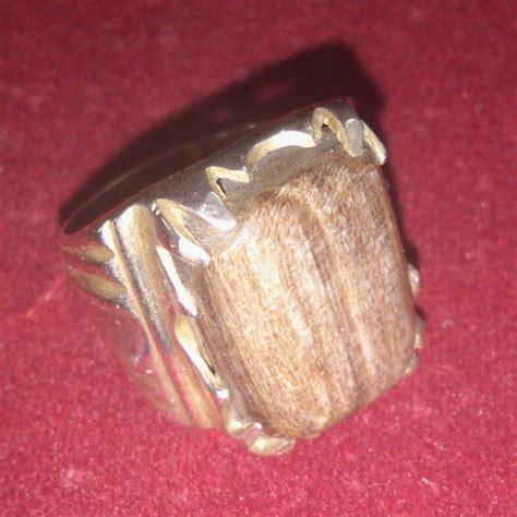 Cincin Putih Mt Baris Halus 7 kawin stones petrified king whitewood fosil raja