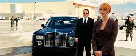 tony starks cars in iron man 2008 movie rolls royce phantom one of tony stark s cars in the movie
