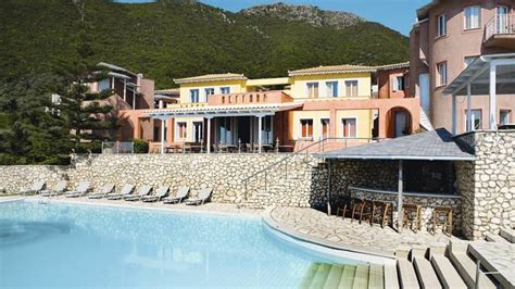Cheap Holidays to Nidri, Lefkada   Very Cheap Holidays to