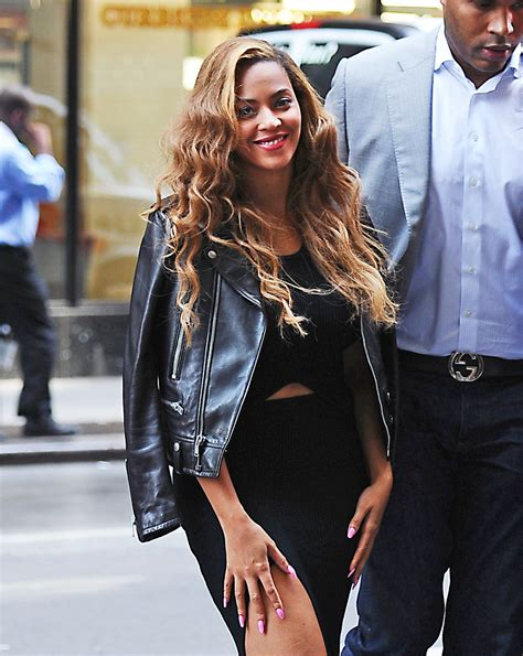 Beyonces Style by Beyonc 233 Style Heading To Office In Nyc June 2015