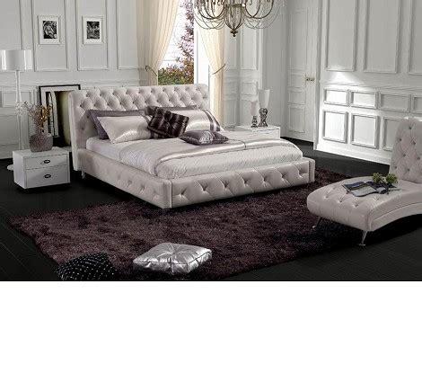 Shiny White Bedroom Furniture Dreamfurniture Modern Glossy White Leatherette Bed