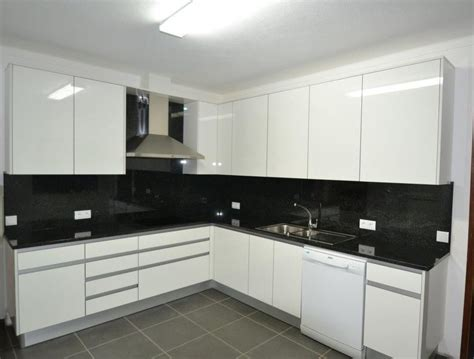 decorar sala minimalista pequeña cocina minimalista pequea interesting cocina chica