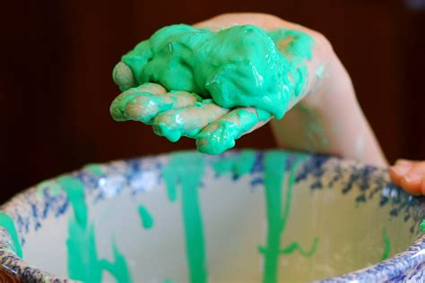 30 amazing uses of corn starch diy home remedies how to make your own slime just in time for halloween