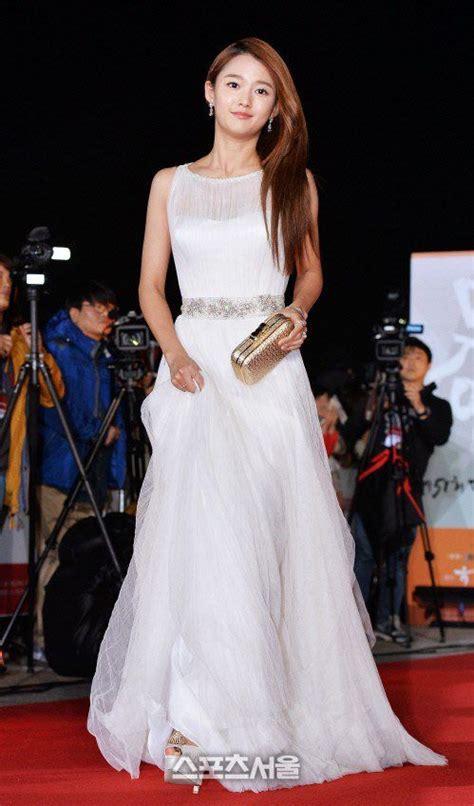 film drama korea wedding dress 160 best red carpet dresses images on pinterest evening