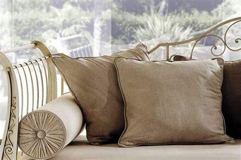 cuscini divani cuscini per divani un tocco decorativo in casa