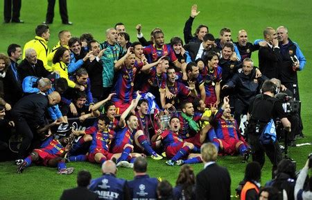 wallpaper barcelona juara real madrid and barcelona 2012 barca juara liga chions
