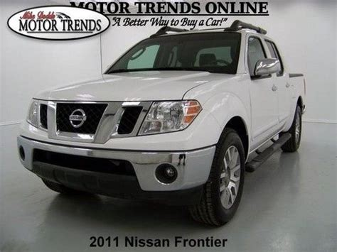 2011 nissan frontier roof rack purchase used 2011 sl crew cab leather htd seats roof rack