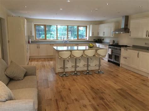 Corian Type Worktops Modern Kitchen Gloss Grey Worktop Corian Howdens