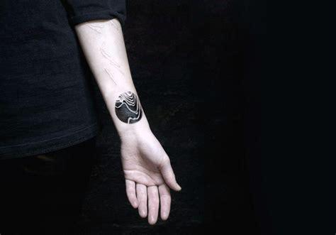 minimalist tattoo artists nyc dramatic yet minimal tattoo designs scene360