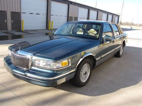 service manual hayes car manuals 1998 lincoln town car transmission control service manual