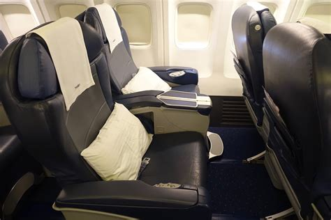 airways business class seats pictures jet airways 737 business class in 10 pictures one mile