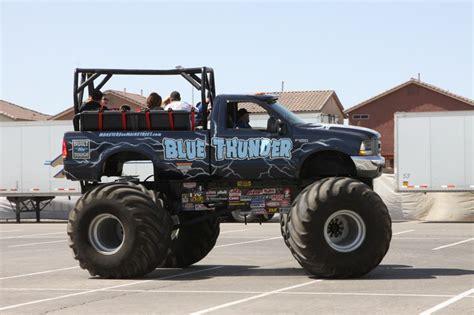 blue thunder truck blue thunder ride truck trucks wiki fandom