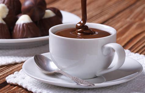 caldo e mal di testa una buona cioccolata calda vi toglie il mal di testa