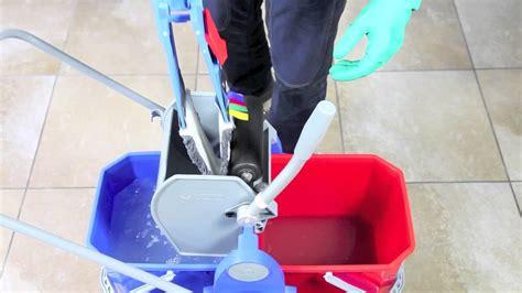 lavare pavimenti pulizia lavaggio pavimento con doppia vasca sistema duo