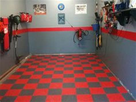 1000  images about motorcycle garage on Pinterest   Rubber