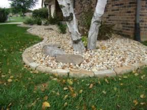 Landscape Rock Versus Mulch Exceptional Landscape Border Stones 7 Landscaping With
