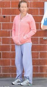 Sabrina Pink Lover kendra wilkinson leaves husband hank baskett at home to