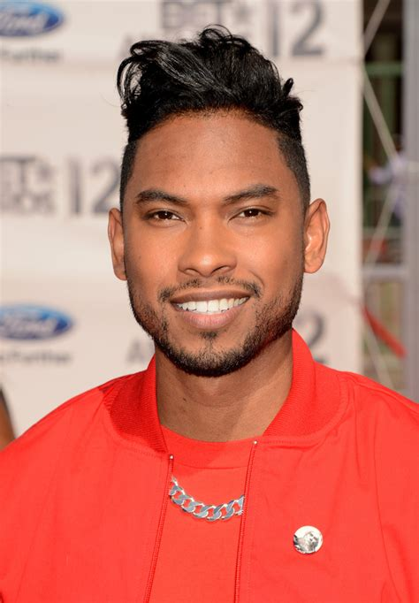 singer miguels hair miguel jontel pimente photos photos 2012 bet awards