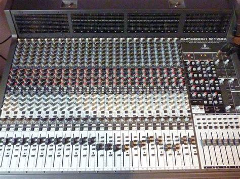 Mixer Behringer Sx4882 behringer eurodesk sx4882 image 1795350 audiofanzine