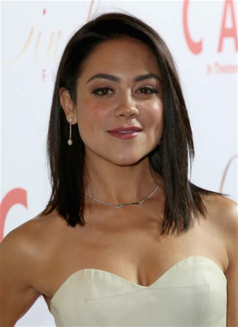 hollywood actresses medium lenght hairstyles camille guaty medium straight cut hair lookbook