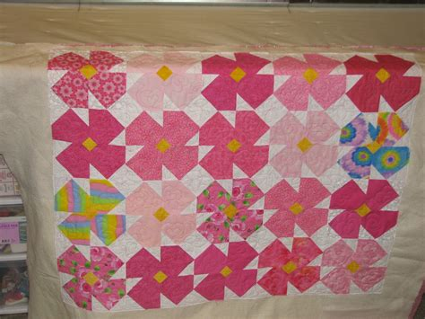 Flower Quilt by The Crafty Quilter S Closet Flower Quilt