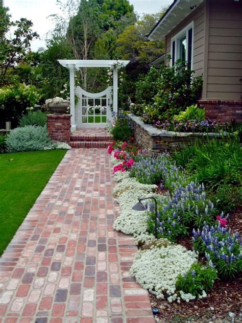Narrow Garden Ideas Planting Ideas And Tips For Narrow Planting Strips In The Garden Interior Design Ideas Ofdesign