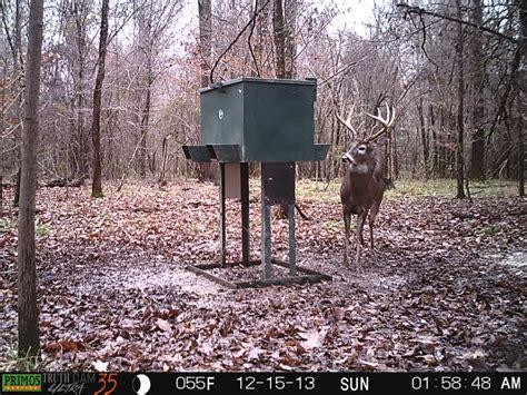 Best Gravity Deer Feeder 400lb low bay 4 chute steel deer feeder