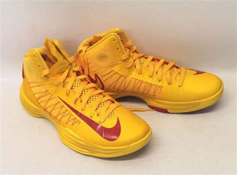 bright yellow basketball shoes bnib nike s bright yellow hyperdunk high top