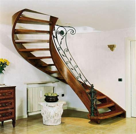 ringhiera in legno per interni oltre 25 fantastiche idee su ringhiera per scale su