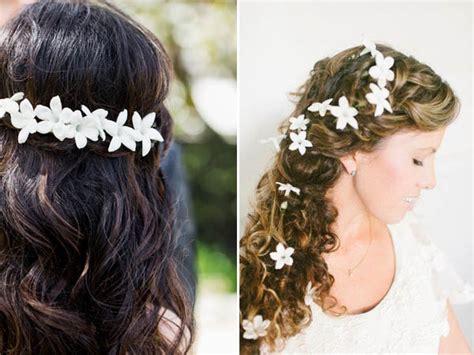 fiori x sposa idee per indossare fiori nei capelli