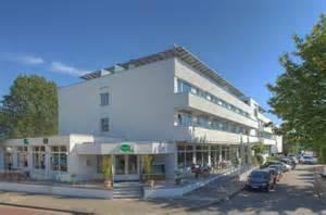 hotels timmendorfer strand mit schwimmbad hotel yachtclub timmendorfer strand urlaubsguru de