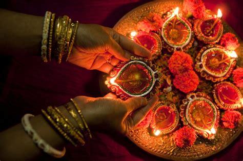 diwali ki tyaari seven traditional must decorative